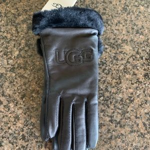 NWT Ugg classic leather logo gloves